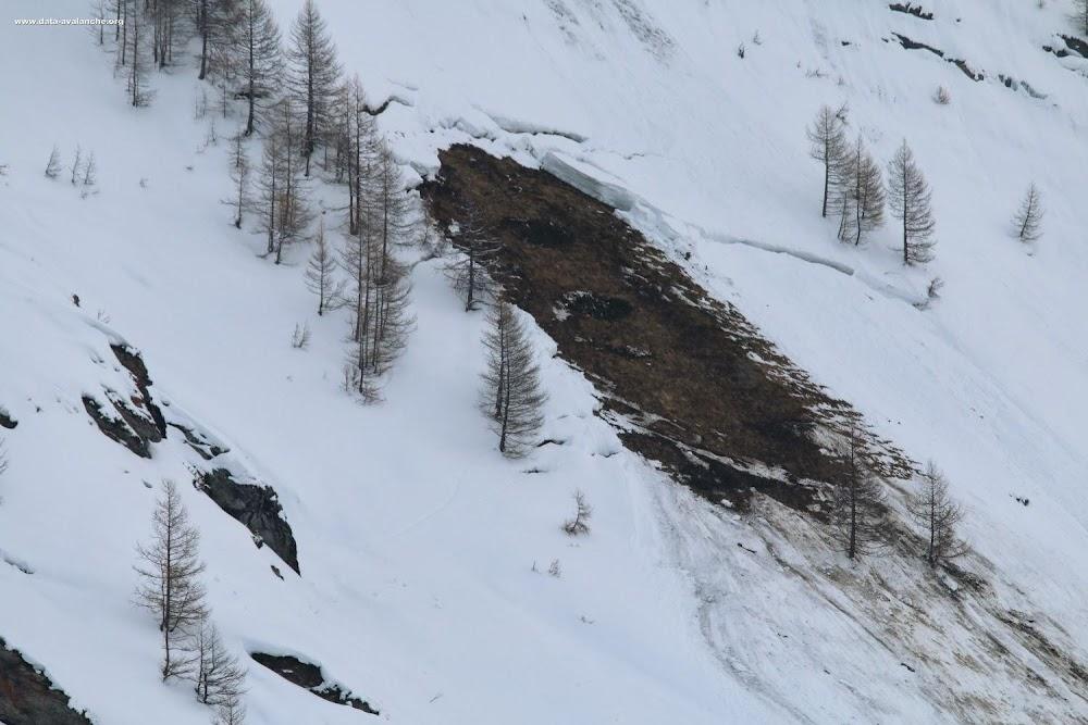 Avalanche Haute Maurienne, secteur Ouille Allegra, Les Sétives ; proximité de la cascade de la Frête (gauche orographique) - Photo 1