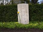 Guardsman H.T. Bradbury Coldstream Guards 1e April 1945, Leeftijd 29, Oosterbegraafplaats Enschede.