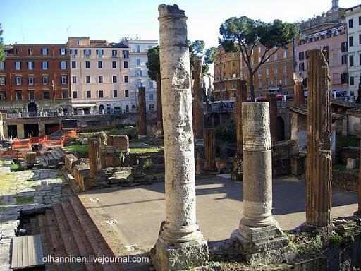 В 1909 году часть зданий и церковь были снесены, а площадь в ее современном виде как огороженное место археологических раскопок относится к 1929 году