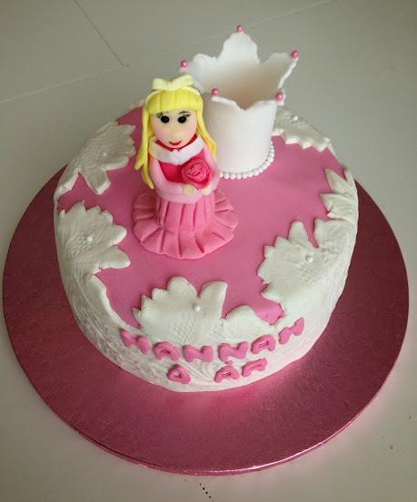 Törnrosa tårta