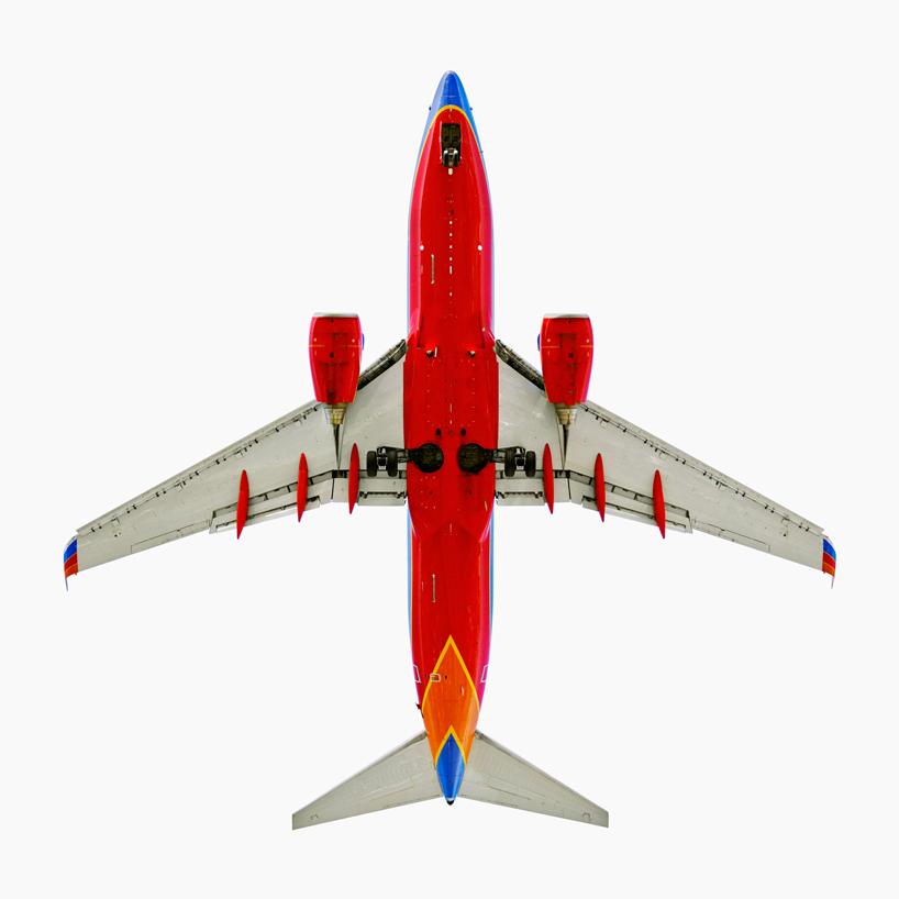 *美國攝影師 Jeffrey Milstein 仰望起降瞬間:捕捉飛機下方腹部攝影作品! 4