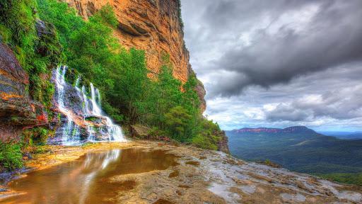 Upper Katoomba Falls, Blue Mountains National Park, New South Wales, Australia.jpg