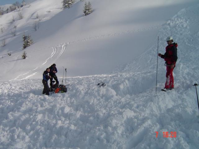 Avalanche Belledonne, secteur La Grande Montagne de Presle, Au dessus du Chalet de la Grande Montagne du Verneil ; direction du Chapotet - Photo 1