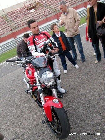 Aprendiendo del piloto de motos Emilio Zamora
