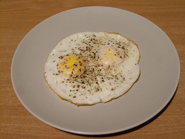 Jajka sadzone bez tłuszczu