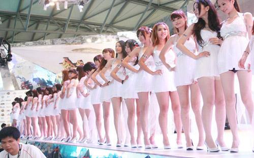 Chiêm ngưỡng dàn chân dài miên man tại Chinajoy 2012 5