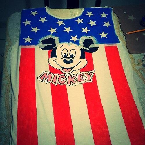 Regata com Mickey e bandeira dos Estados Unidos