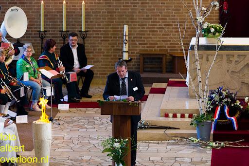herdenkingsdienst  en een stille tocht naar het Engelse kerkhof 12-10-2014 (13).jpg