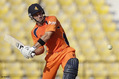 Reasons of why Shahrukh chooses ten Doeschate