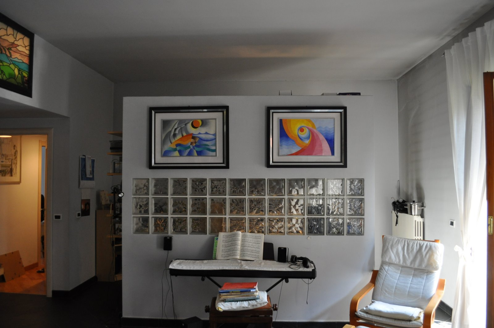 Lampadario sospeso moderno - Salone e cucina open space ...