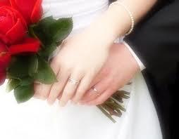 عروسه المنتدى فى الثوب الابيض