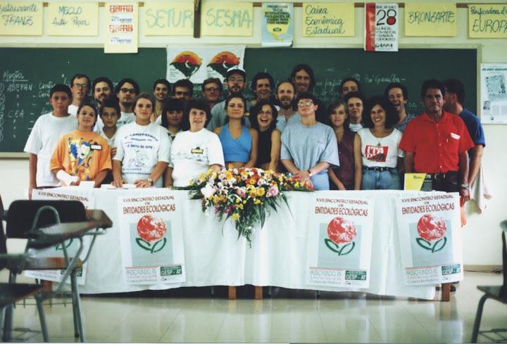 ONGs da APEDEMA, no XVII EEEE, em Passo Fundo, na década de 90. Foto: Antonio Soler / CEA