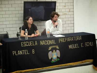 Dra. Aurelia Valero Pie y  Dr. Gabriel Entin.  Investigadores del IIH de la UNAM Conferencia del 24 feb. 2014