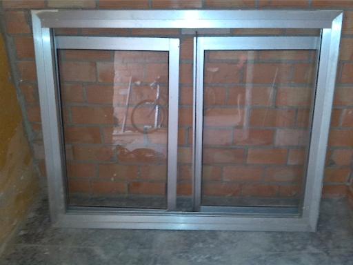 ventana de aluminio  con cristales y