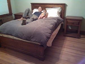Queen-Size Hudson Platform Bed and Hudson Nightstands, in Autumn Oak