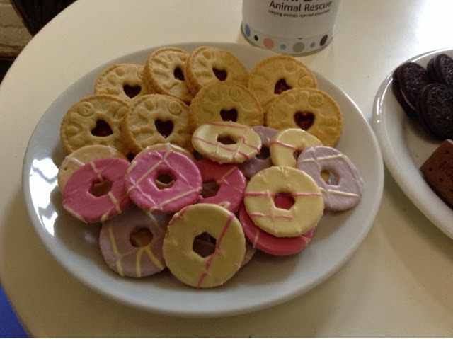Vegan biscuits - Party Rings & Jammy Dodgers