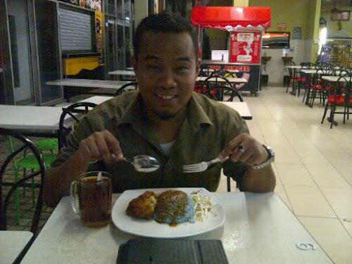 Nasi Kerabu Di Restoran D'Osiss, Kuantan