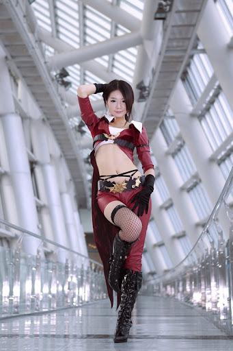 Người mẫu xứ Hàn gợi cảm với cosplay Age of Heroes 3