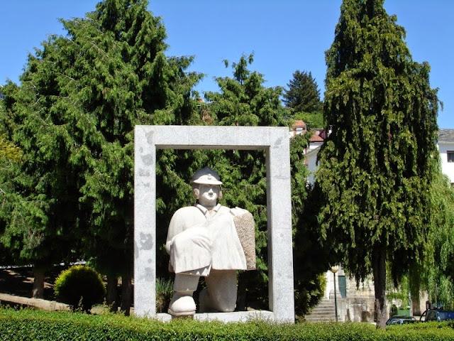 Estátua ao Bombeiro Voluntário