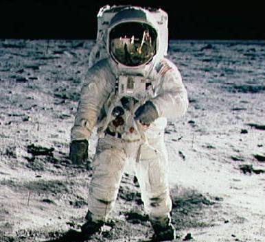「walking in space」的圖片搜尋結果