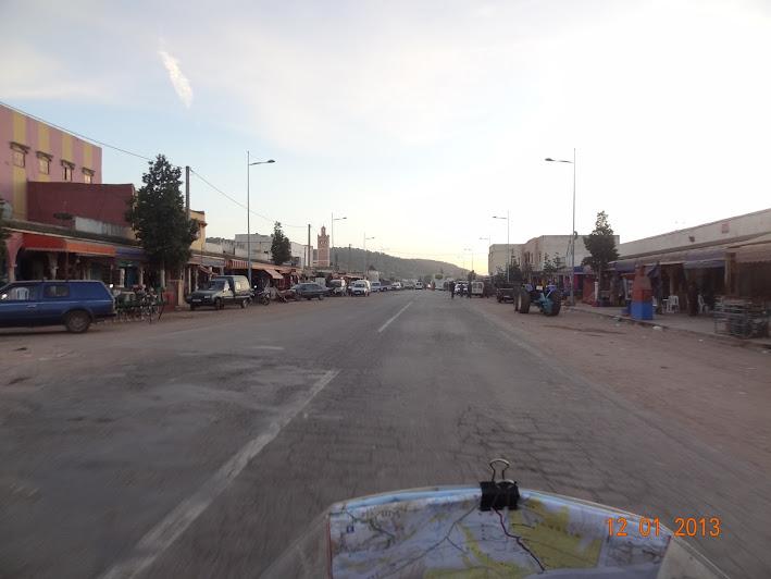 Marrocos e Mauritãnia a Queimar Pneu e Gasolina - Página 2 DSC05544