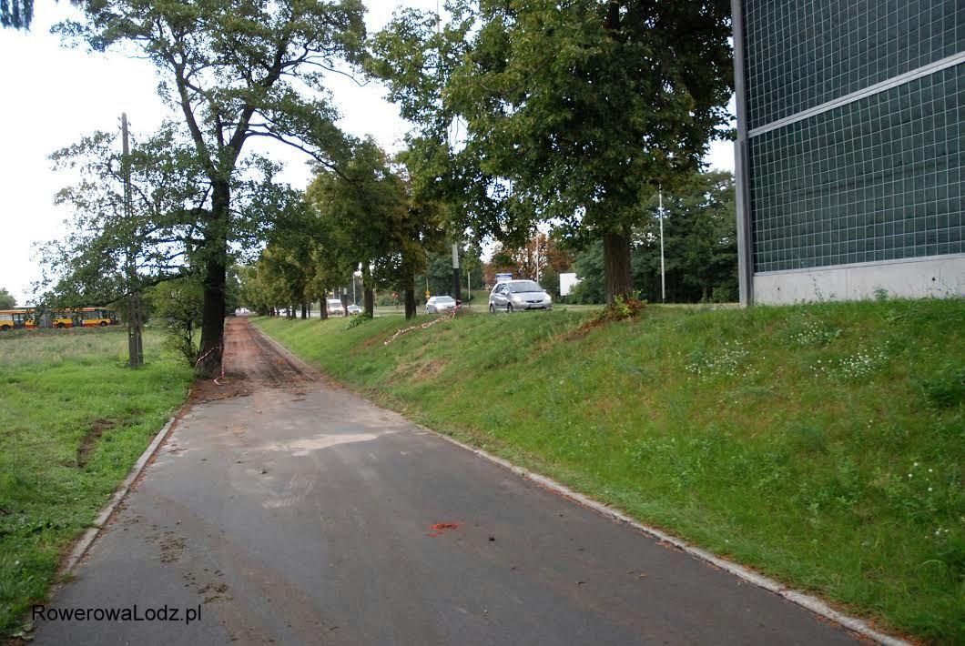 Widok na północ po zjeździe z DDRki z Trasy Górna na ul.Rzgowską