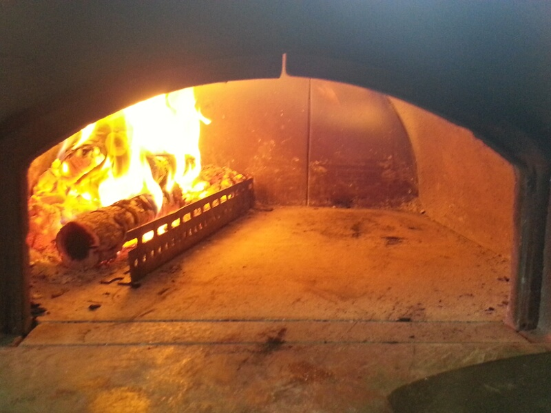 Spartifiamma nel subito pronto si grazie pizza tonda for Spartifiamma forno a legna