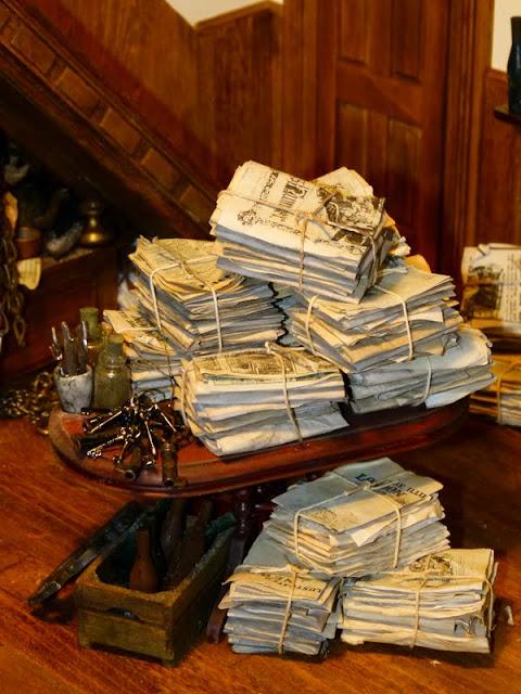 Keukenspullen Outlet : , wetsboeken, brieven, inktpotten, oude flessen, keukenspullen