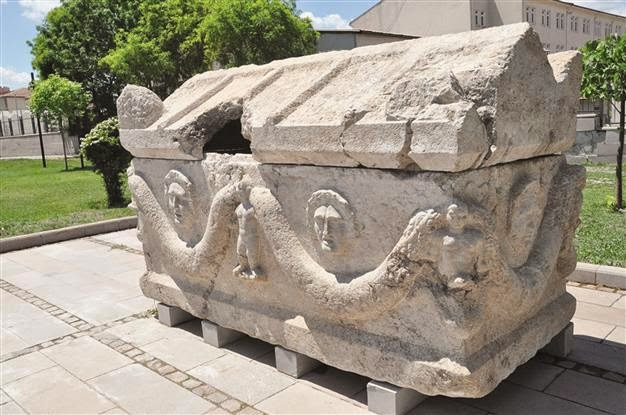 Near East: Ancient sarcophagus seized in northern Turkey