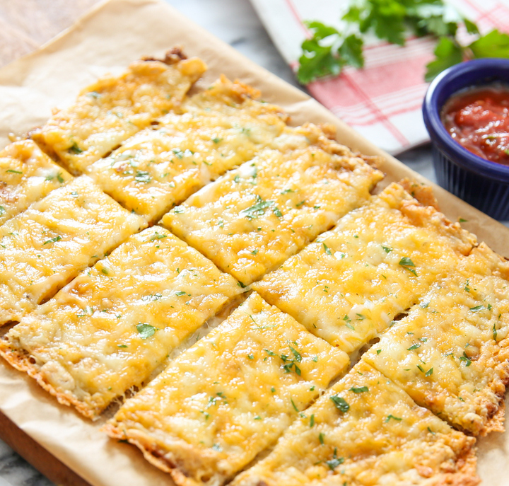 cauliflower breadsticks with marinara dipping sauce