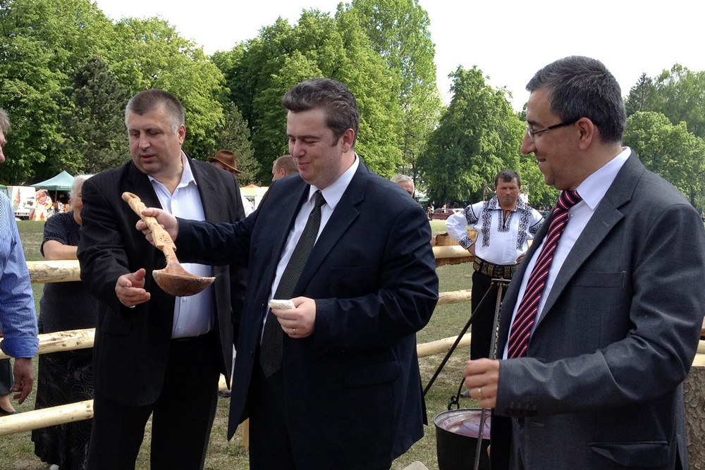 Cătălin Nechifor, Florin Sinescu, Bucșoaia