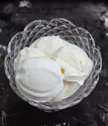 How to make Basic Vanilla Ice Cream at home | Step by step pictorial | Art of making ice cream from scratch | Eggless ice cream recipes | Written by Kavitha Ramaswamy of Foodomania.com