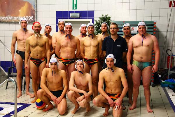 Groepsfoto Waterpolo team Roeselare