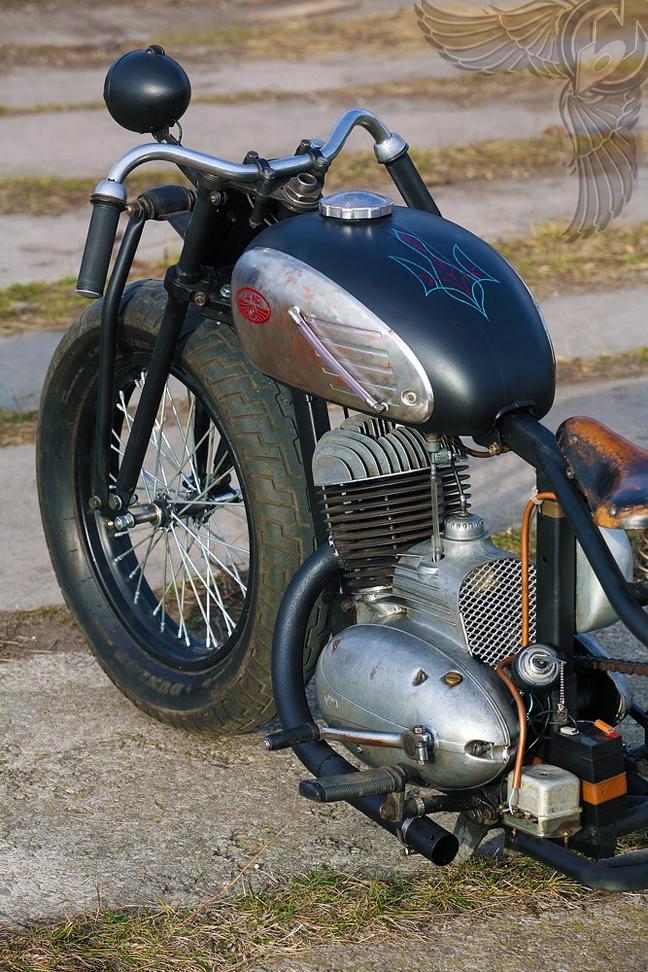 Ukraine Built Jawa Two Stroke 250cc Thumper Bobber
