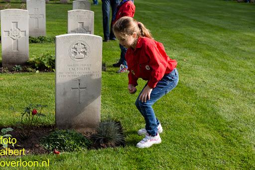 herdenkingsdienst  en een stille tocht naar het Engelse kerkhof 12-10-2014 (78).jpg