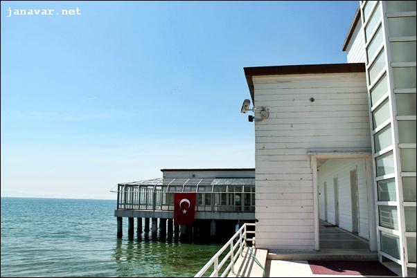 23 april feiertag atat rks haus im marmarameer janavar. Black Bedroom Furniture Sets. Home Design Ideas