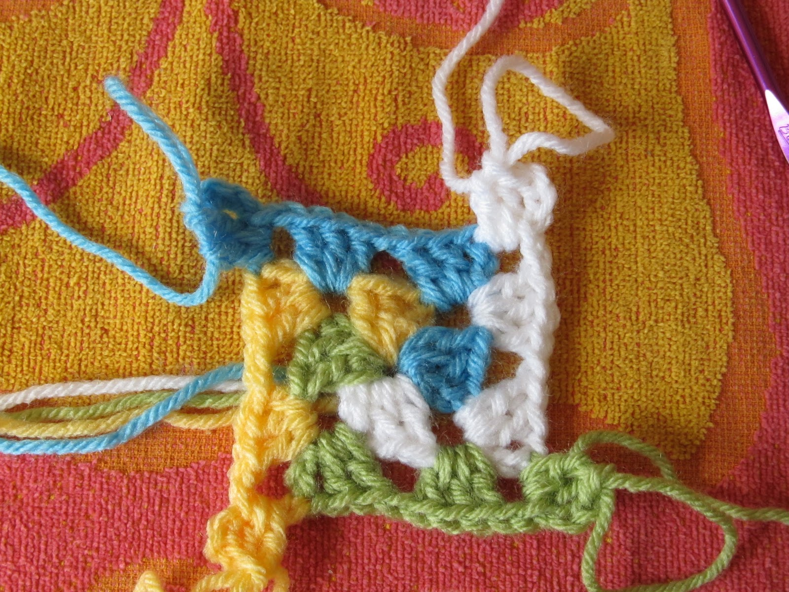 Smoothfox crochet and knit smoothfoxs spiral granny square or an error occurred bankloansurffo Image collections