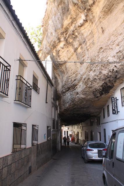 espanha - [Crónica] Sul de Espanha 2011 Setenil%252520de%252520las%252520Bodegas%252520%25252821%252529