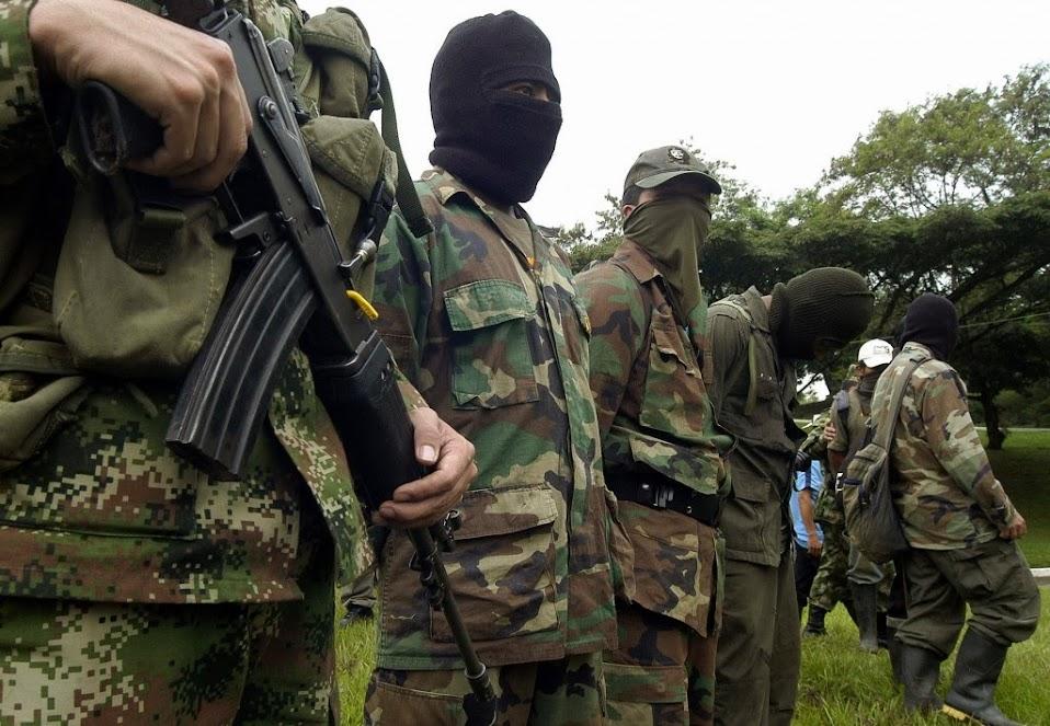 DEA RAID. PARTIDA ABIERTA. LA GRANJA. 9-03-14 Las-FARC-niegan-ser-narcotraficantes-y-denuncian-complicidad-oficial-con-los-carteles