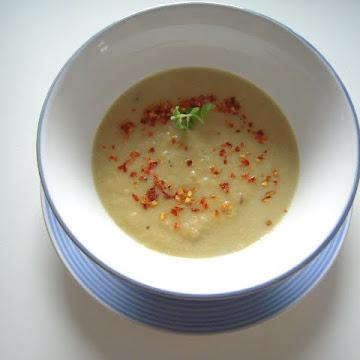 Zupa porowa z ciecierzycą - Czytaj więcej »