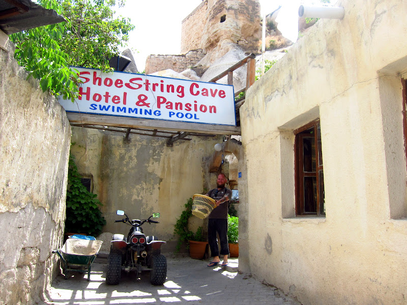 Shoestring Cave Pension