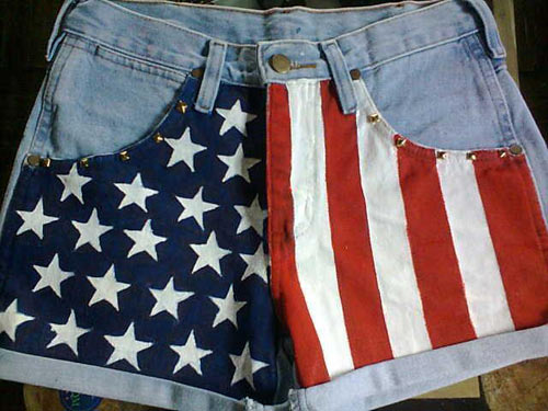 customização de shorts jeans - bandeira dos Estados Unidos