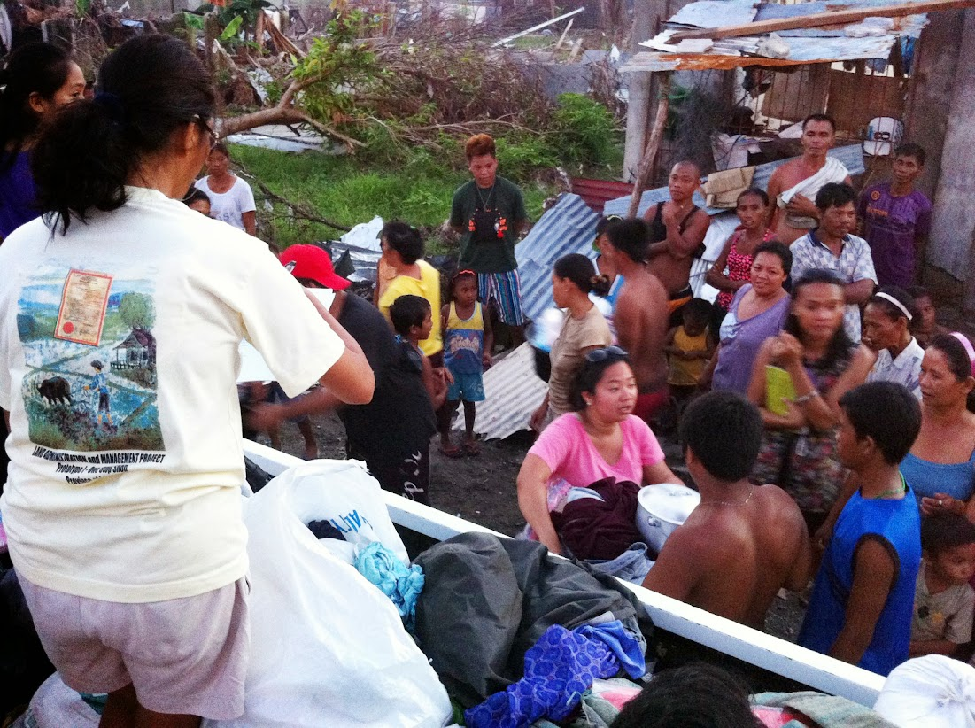 https://lh5.googleusercontent.com/-3UBCkpoqeR8/UtjqxxY5kXI/AAAAAAAADN8/5VfyjJ9_W2M/w1101-h822-no/san-jose-tacloban-relief-005.jpg