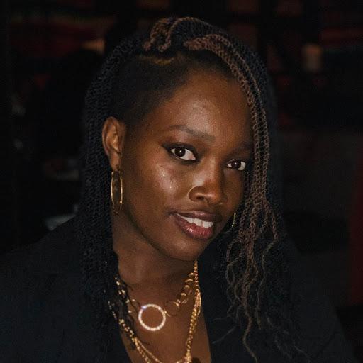 Dominique White Photo 22