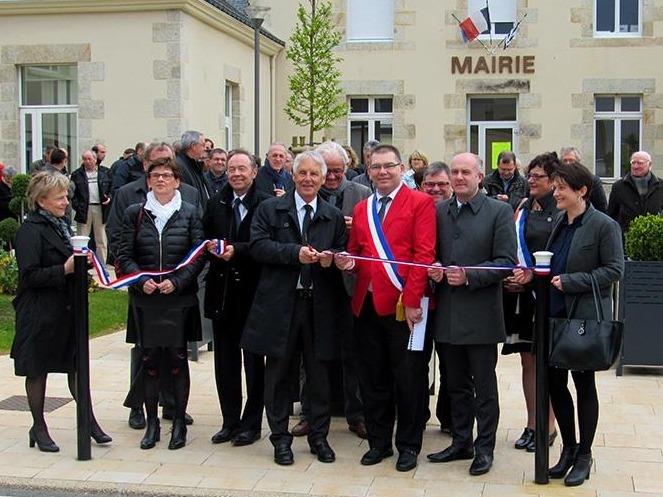 Inauguration du parvis de la mairie et de la rue du Commerce le 23 avril 2016 au Sourn