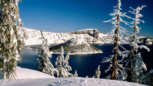 Crater Lake National Park in Winter, Oregon.jpg
