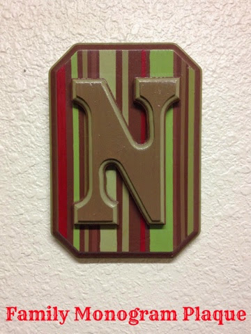 Family monogram plaque ~ Life in Random Bits #diy #monogram