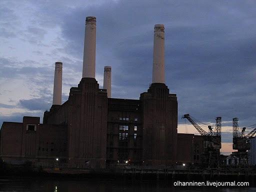 Лондонская электростанция в наступающих сумерках