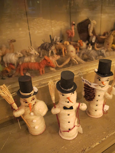 Spun cotton snowmen (with an accompanying spun-cotton menagerie).