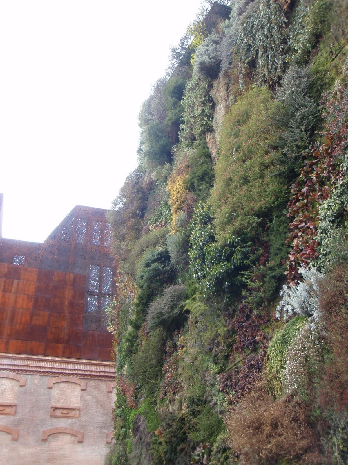 Verde que te quiero verde jardines verticales jard n de for Jardin vertical caixaforum
